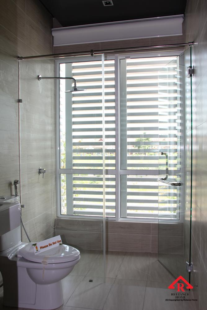 Reliance Home REH100 frameless shower screen-10