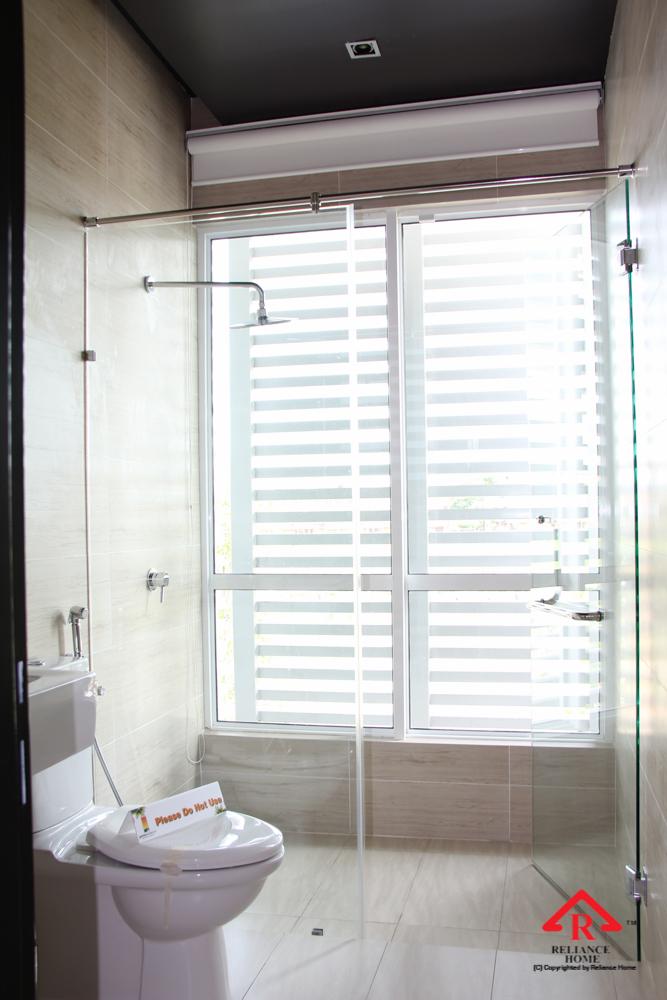 Reliance Home REH100 frameless shower screen-11