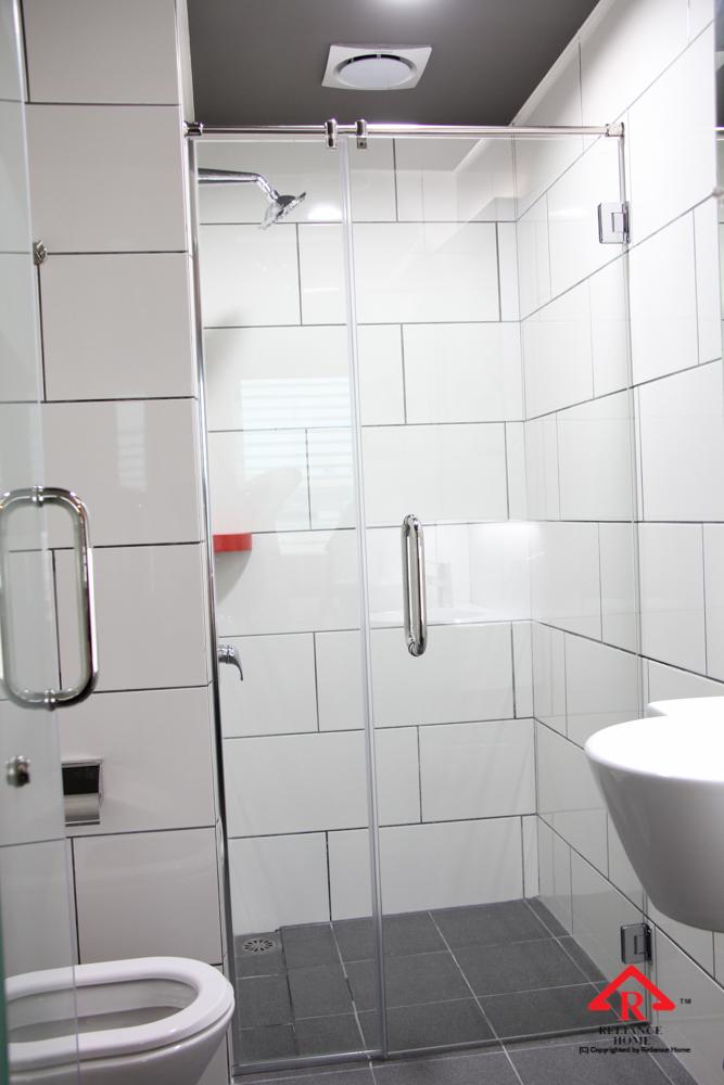 Reliance Home REH100 frameless shower screen-19