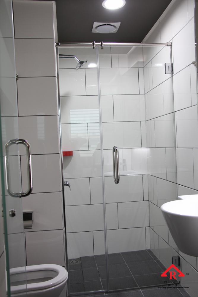 Reliance Home REH100 frameless shower screen-20