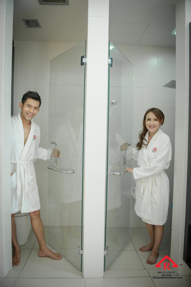 Reliance Home REH100 frameless shower screen-24