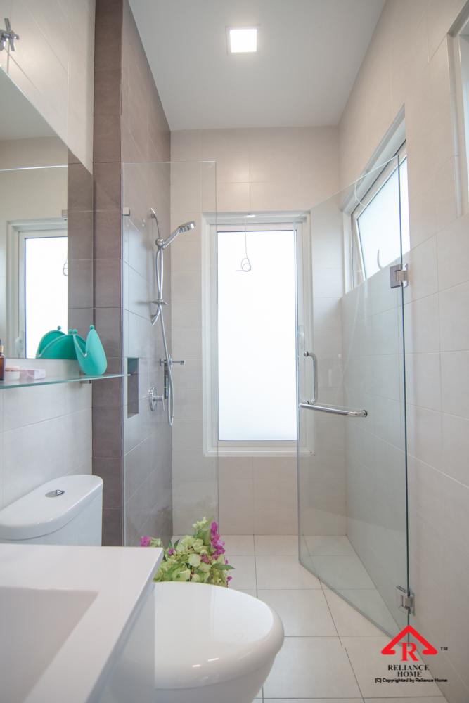 Reliance Home REH100 frameless shower screen-31