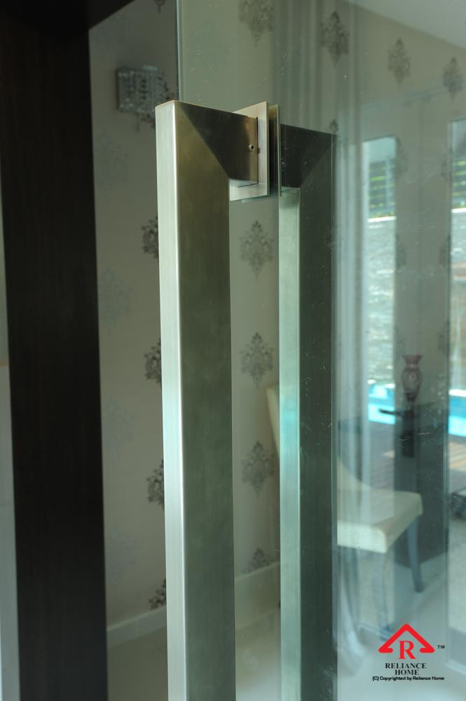 Reliance Home VVP glass door-6