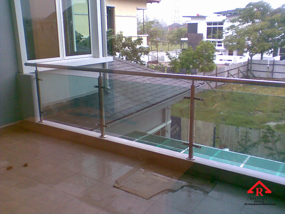 Reliance Home staircase glass-3