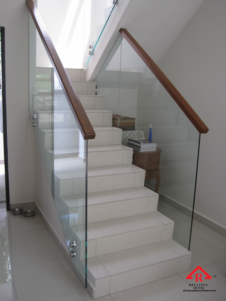Reliance Home staircase glass class clip type-19