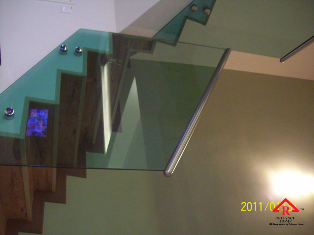 Reliance Home staircase glass class clip type-2
