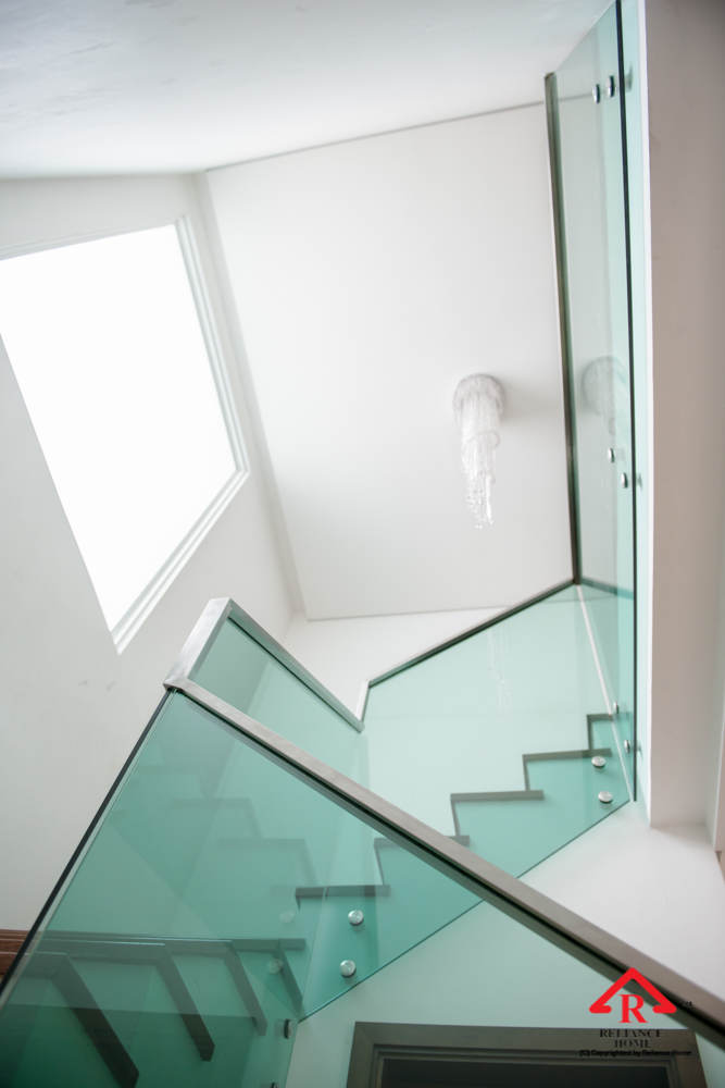 Reliance Home staircase glass class clip type-30