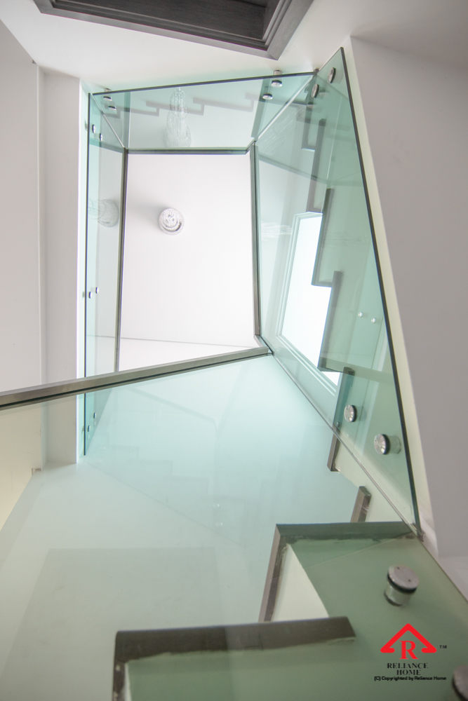 Reliance Home staircase glass class clip type-31