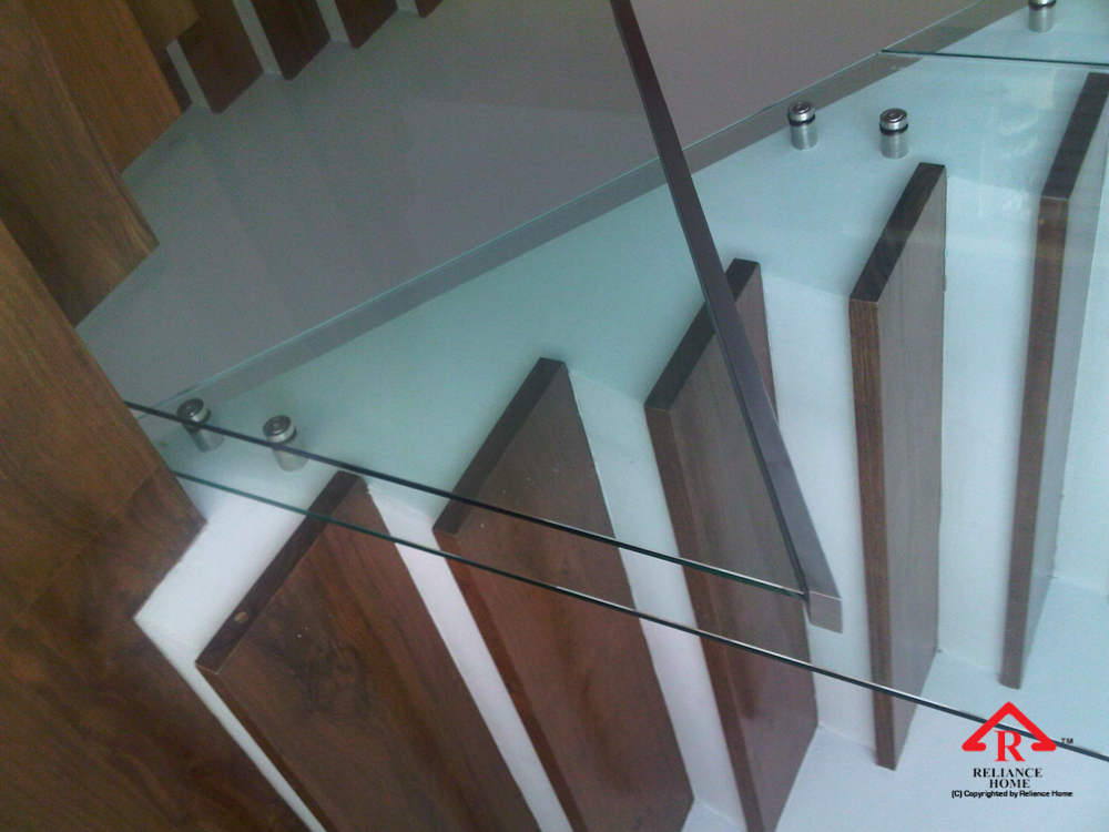 Reliance Home staircase glass class clip type-3