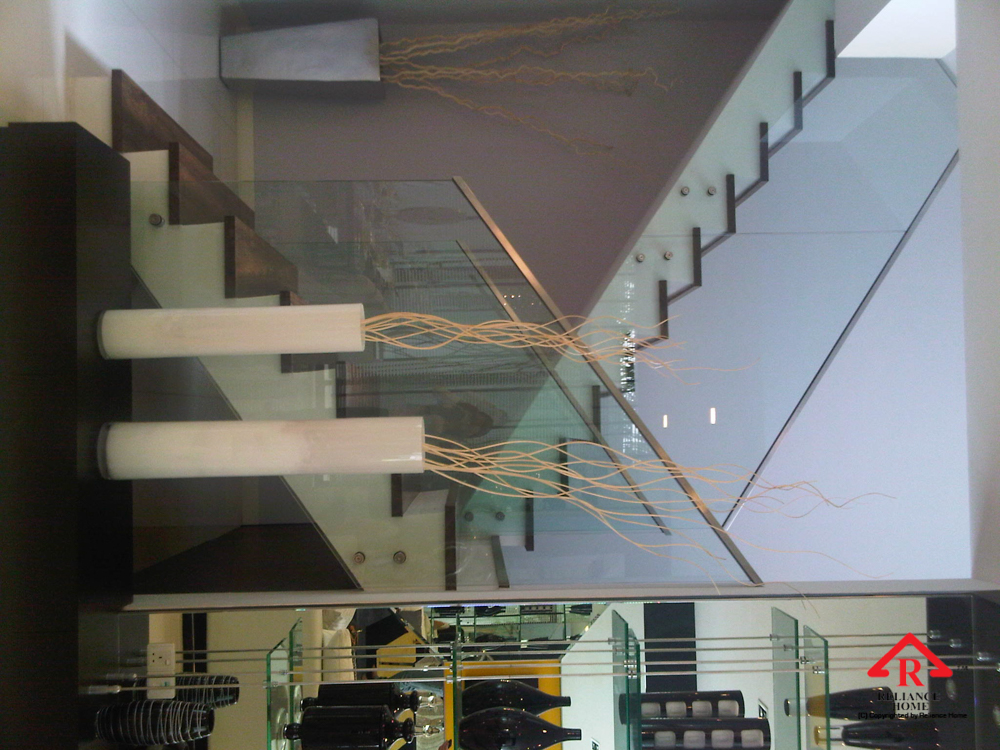 Reliance Home staircase glass class clip type-4
