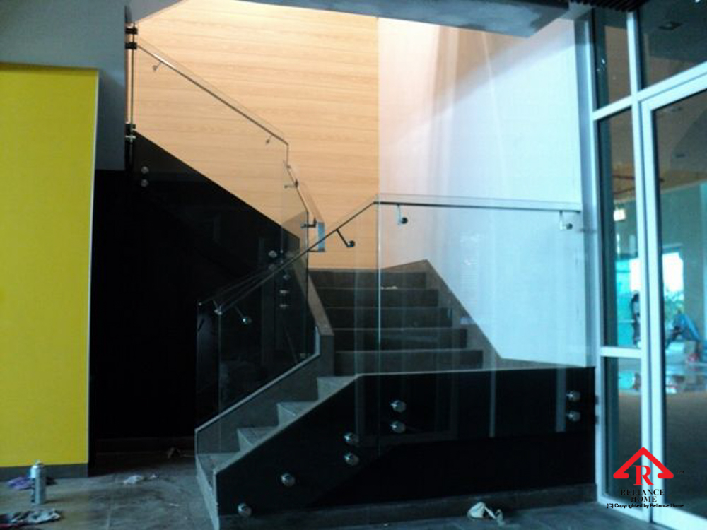 Reliance Home staircase glass class clip type-7