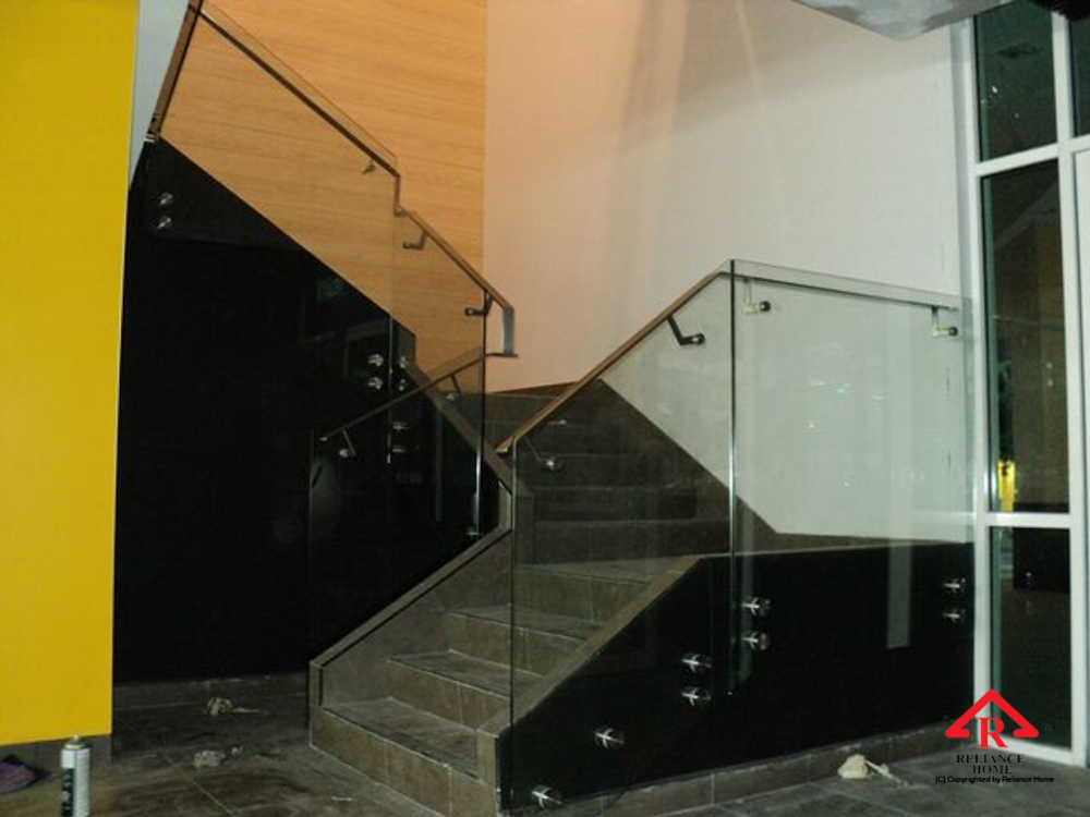 Reliance Home staircase glass class clip type-8