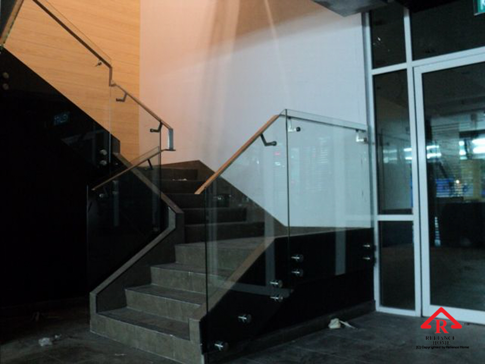 Reliance Home staircase glass class clip type-9