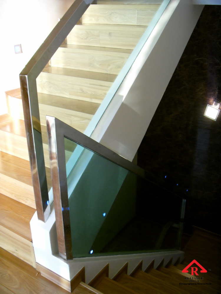 Reliance Home staircase glass embedded U channel-11