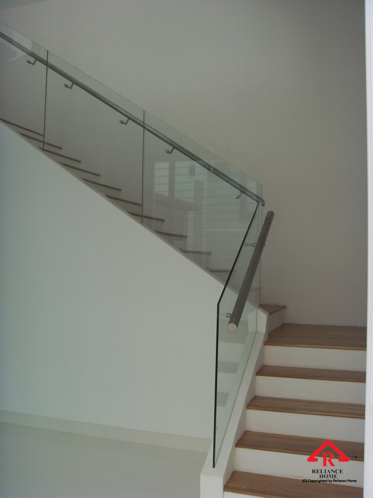 Reliance Home staircase glass embedded U channel-17