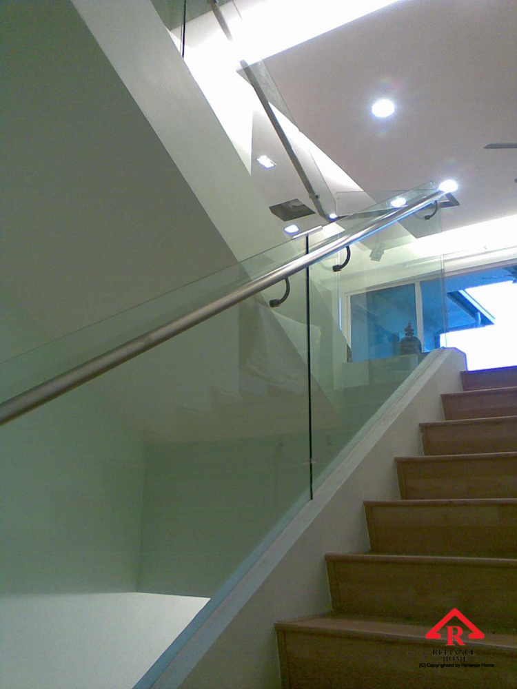 Reliance Home staircase glass embedded U channel-2