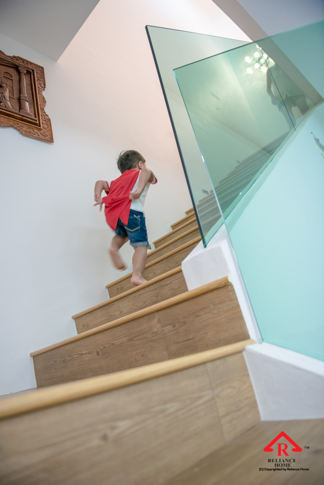Reliance Home staircase glass embedded U channel-23