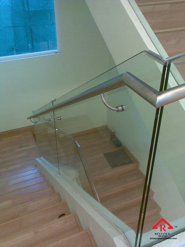 Reliance Home staircase glass embedded U channel-3