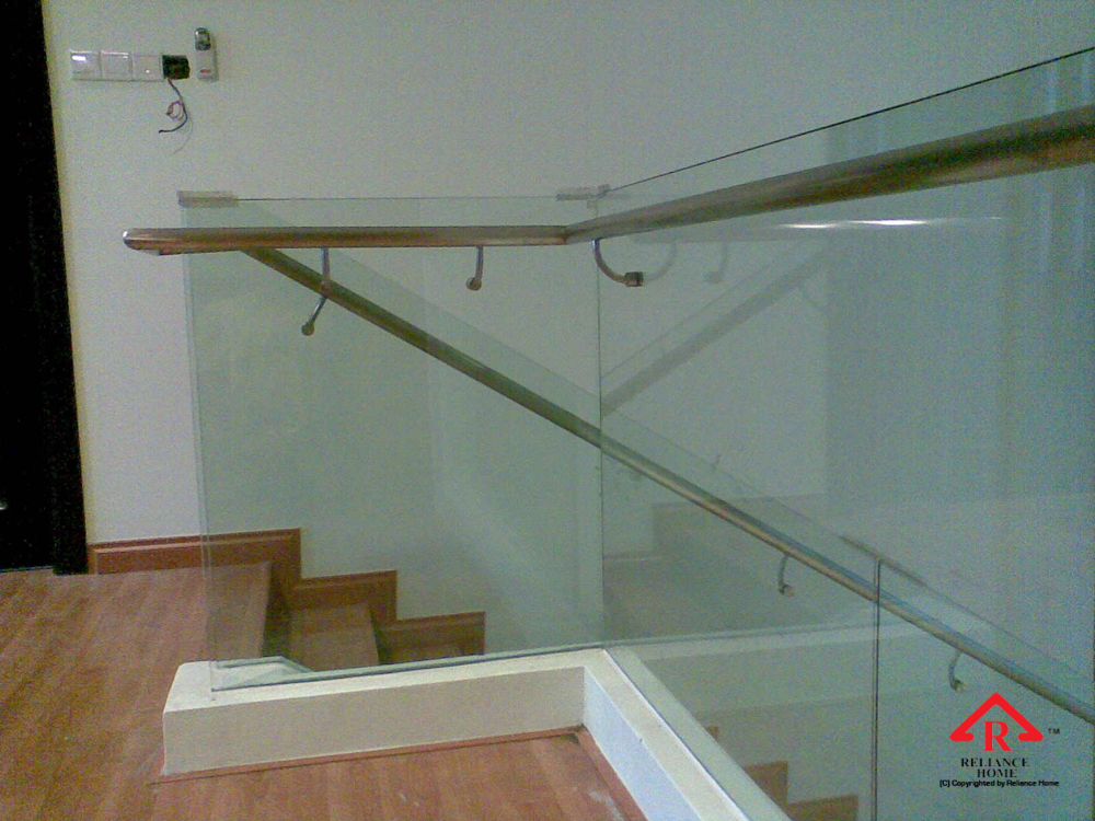 Reliance Home staircase glass embedded U channel-7