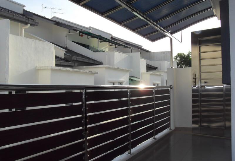 Aluminium Fencing- Reliance HomeReliance Home