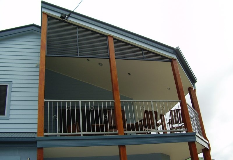 privacy-screen-panels-as-gable-infill