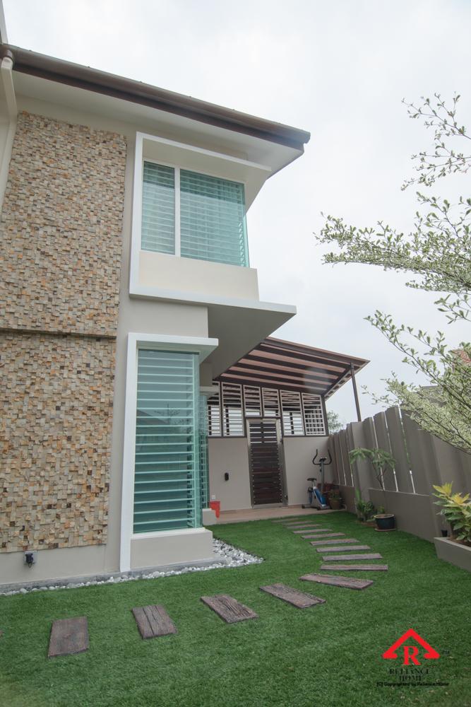 Reliance Home balcony glass U-channel type-114