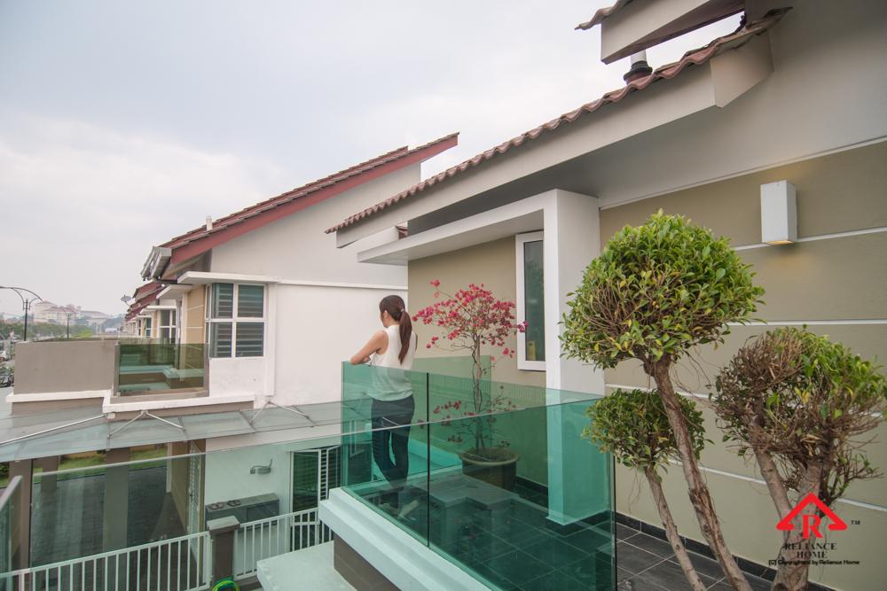 Reliance Home balcony glass U-channel type-123