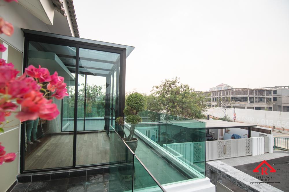 Reliance Home balcony glass U-channel type-124