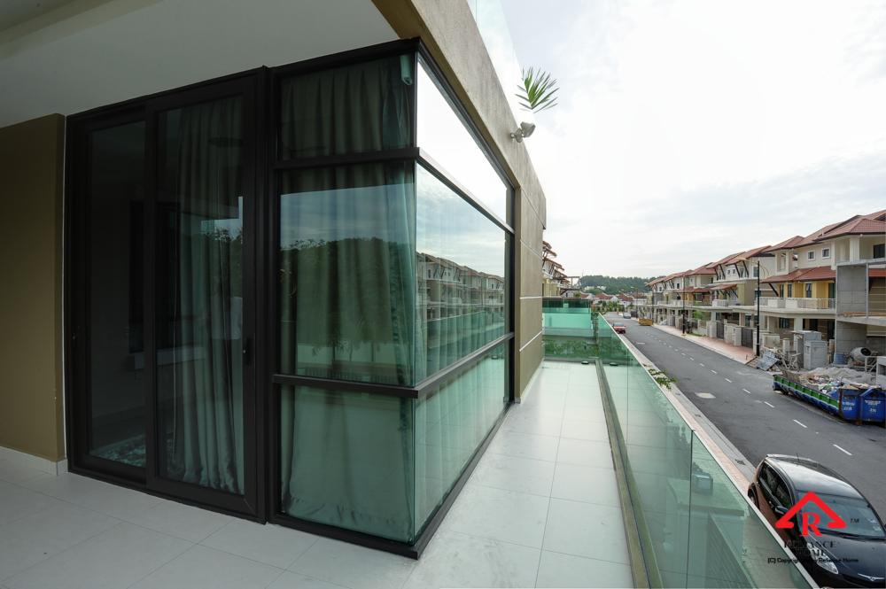 Reliance Home balcony glass U-channel type-53