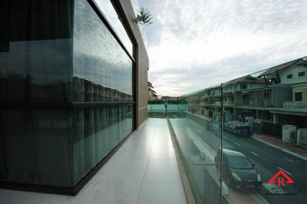 Reliance Home balcony glass U-channel type-62