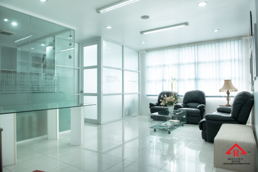 reliance-home-aluminium-glass-partition-18