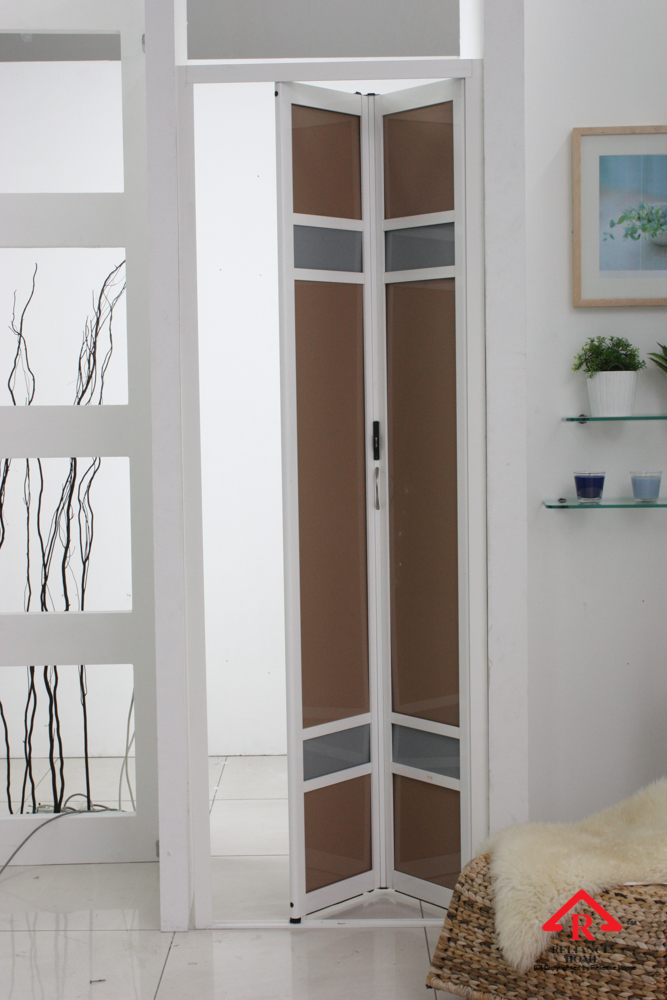 Reliance Home maid room door-6