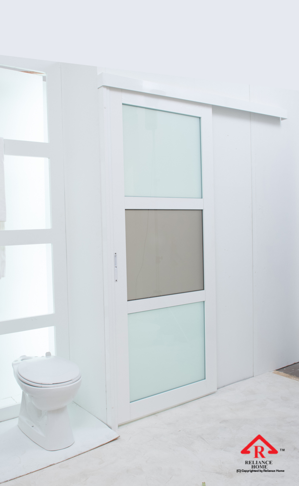 Reliance Home toilet door-102