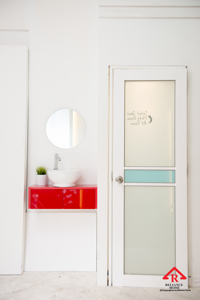 Reliance Home toilet door-87