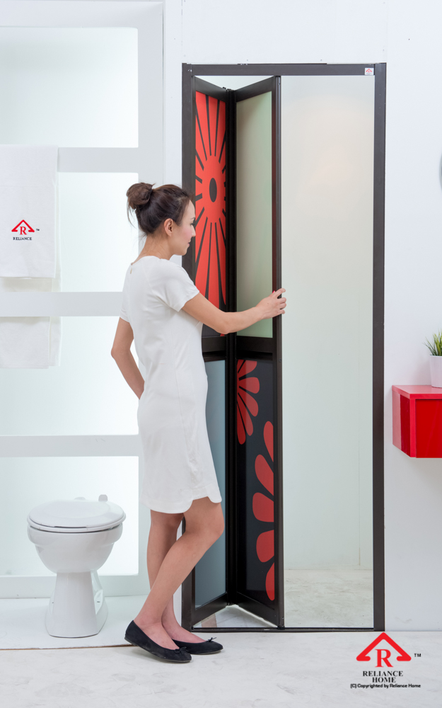 Reliance Home toilet door-94