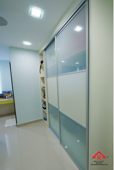reliance-home-antijump-wardrobe-door-01-235x352