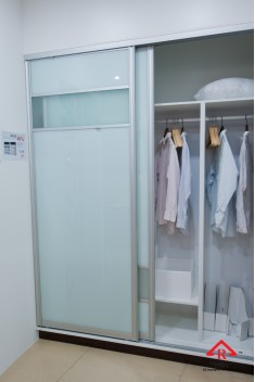 reliance-home-antijump-wardrobe-door-02-235x352